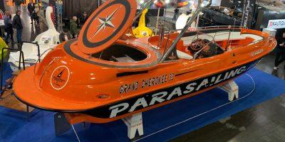 Grand Cherokee 33 – Barco Parasailing